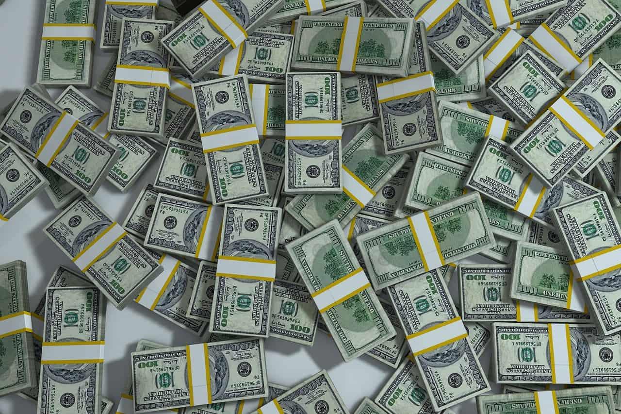 חבילות של דולרים