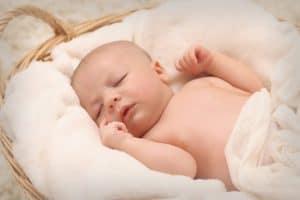 תינוק חמוד שנולד